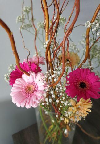 paastakken en bloemen